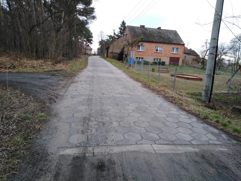 Budowa drogi w Dębionce
