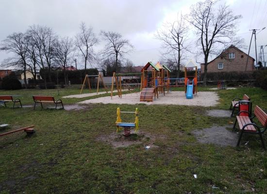 Place zabaw w Chojnie, Niedźwiadkach i Pakosławiu
